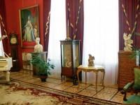 Новые поступления музея в Красной гостиной дворца Румянцевых и Паскевичей