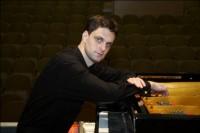 Марк Дробинский (виолончель, Франция) и Алексей Петров (фортепиано, Беларусь) с концертной программой «Душа на кончике смычка»